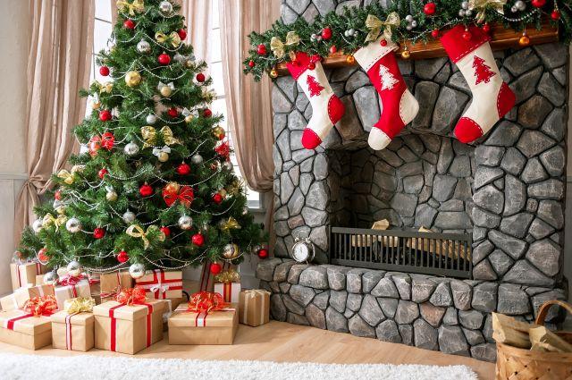 Zaskakujące sposoby wręczania świątecznych prezentów